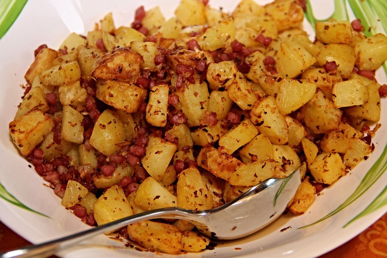 Bratkartoffeln und Speck