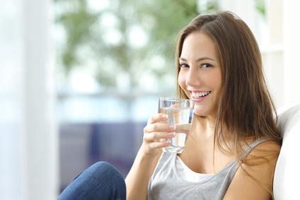 Viel Wasser trinken gegen Stress