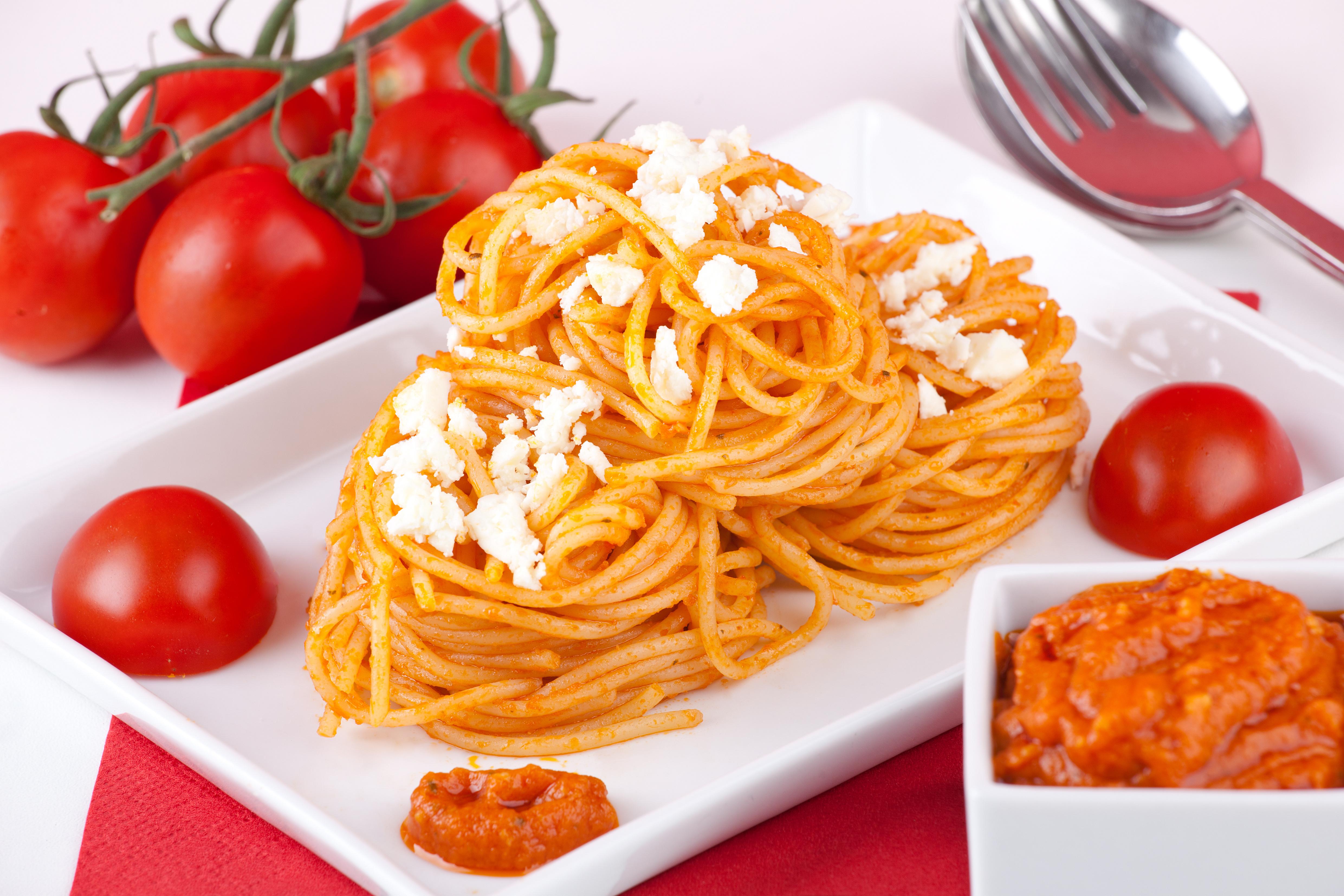 Spaghetti mit Schafskäse